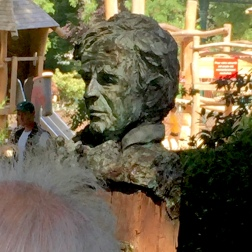 Buste Elie Wiesel.C-Square du 3e arrondissement